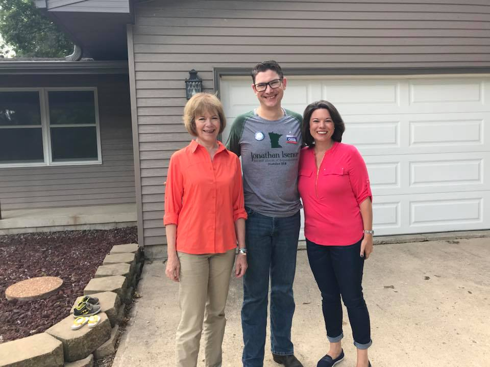 Plainview Doorknock for Angie, Tina Smith & Jonathan Isenor